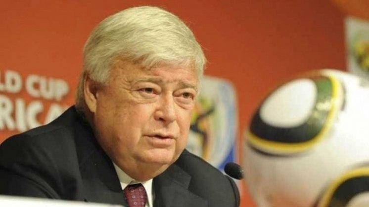 Presidente da CBF desde 1989, RICARDO TEIXEIRA renunciou ao cargo em 2012, alegando problemas de saúde.