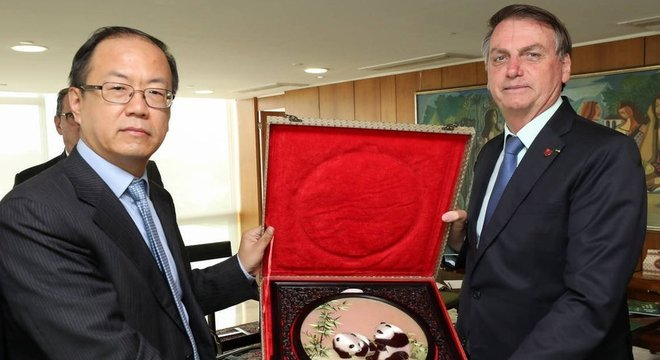 Executivos da Huawei se encontraram com Bolsonaro no ano passado