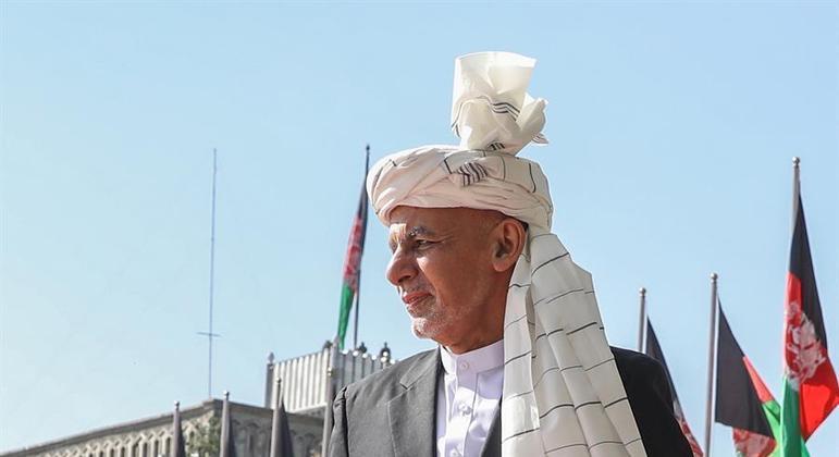 Ashraf Ghani fugiu do Afeganistão e está nos Emirados Árabes