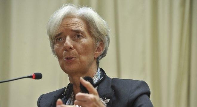 Christine Lagarde cita cautela mundial sobre segunda onda de infecções