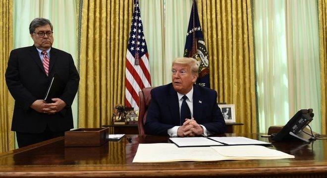 Presidente dos EUA está ameaçando remover algumas das proteções legais da mídia social