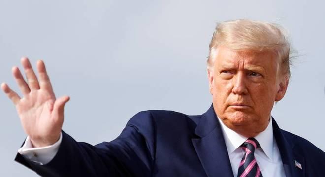 Trump diz que vaga em Suprema Corte deve ser preenchida sem demora