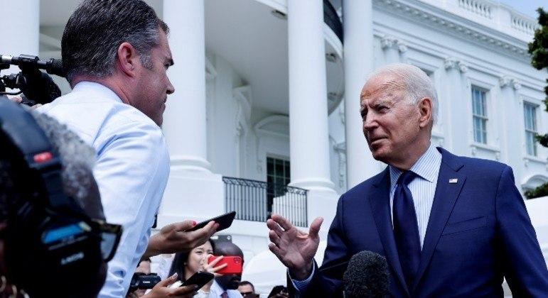 Presidente dos EUA, Joe Biden, fez críticas às redes sociais que permitem a circulação de notícias falsas