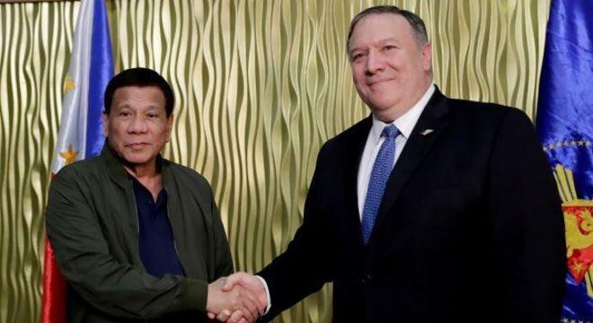 Presidente Rodrigo Duterte, e o secretário de Estado dos EUA, Mike Pompeo