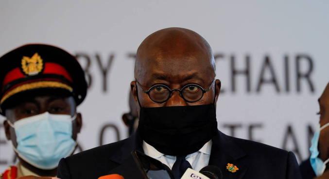 Presidente de Gana recebe primeira dose de vacina anticovid do Covax