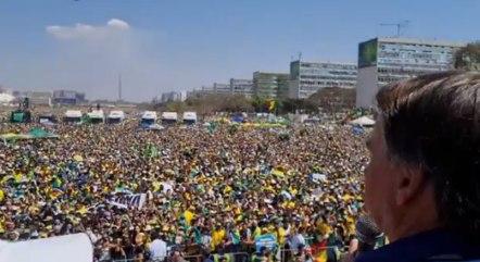 Bolsonaro apela a caminhoneiros para que não parem o país - Prisma - R7 R7  Planalto