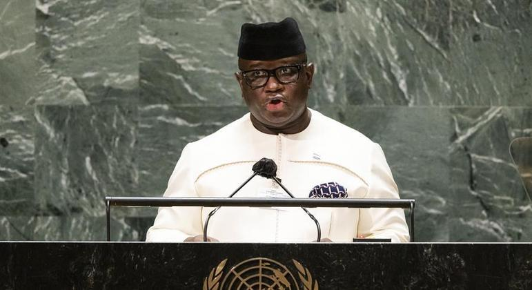 Presidente Julius Maada Bio diz que país exorciza 'horrores de um passado cruel'