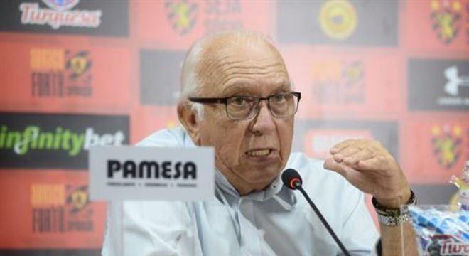 Presidente rubro-negro não descarta que novos jogadores sejam contratados até a reapresentação do elenco, dia 02