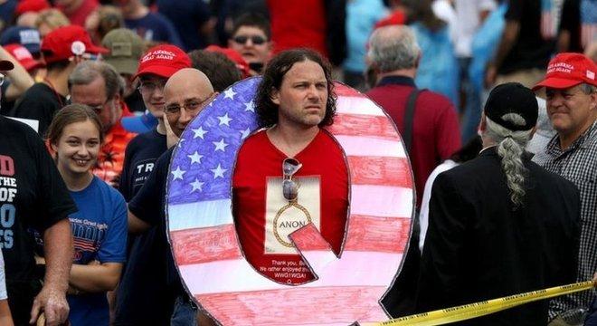 Presidente Trump fortaleceu movimento conspiracionista QAnon