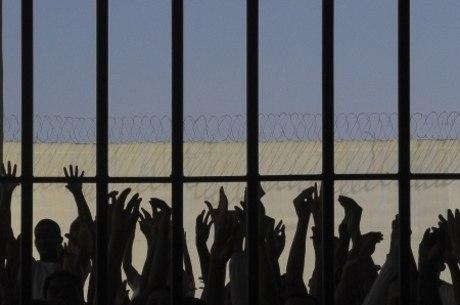 No Brasil sireitos humanos se relacionam com encarceramento