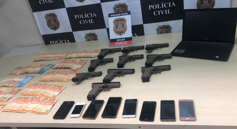Polícia prende homem por tráfico de armas e apreende 10 pistolas de fabricação turca