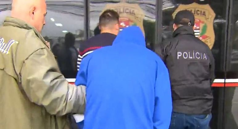 Polícia de SP faz operação contra suspeitos de tráfico de drogas e armas na capital