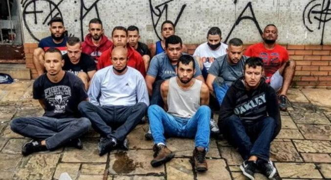 14 torcedores foram presos após atacarem ônibus do São Paulo