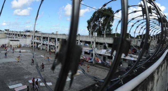 'A massa carcerária não é de colarinho branco, é de negros e pobres', diz advogado criminalista Fernando Castelo Branco