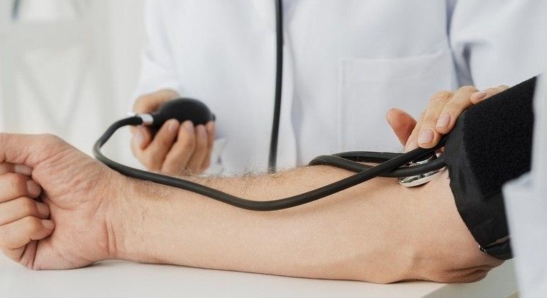 Alto nível de estresse aumenta risco de hipertensão em 6 anos