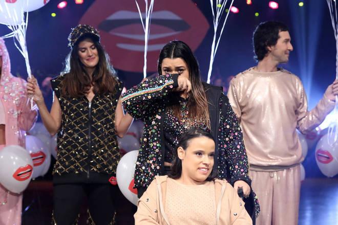 Preta Gil não conseguiu conter o choro ao participar do primeiro desfile de moda inclusiva realizado no Villagio JK, no bairro da Vila Olímpia, em São Paulo