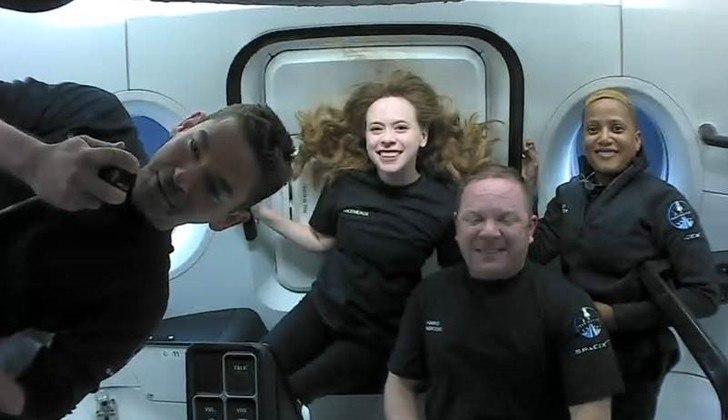 Os tripulantes da Inspiration4, a missão da SpaceX que levou quatro civis à órbita da Terra na quarta-feira (15), divulgaram nesta sexta-feira (17) em seu perfil no Twitter as primeiras imagens tiradas na viagem espacial. Este é o primeiro voo orbital totalmente civil já realizado na história*Estagiária do R7 sob supervisão de Pablo Marques