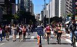 Primeiro dia de reabertura para pedestres na avenida Paulista