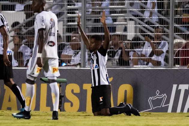 Primeiro gol como profissional: Permaneceu no time profissional em 2018, já sob o comando de Jair Ventura. Logo na terceira rodada do Campeonato Paulista, marcou o seu primeiro gol como profissional, no último minuto da vitória por 2 a 1 contra a Ponte Preta, no estádio Moisés Lucarelli, em Campinas, garantindo o triunfo ao Peixe.