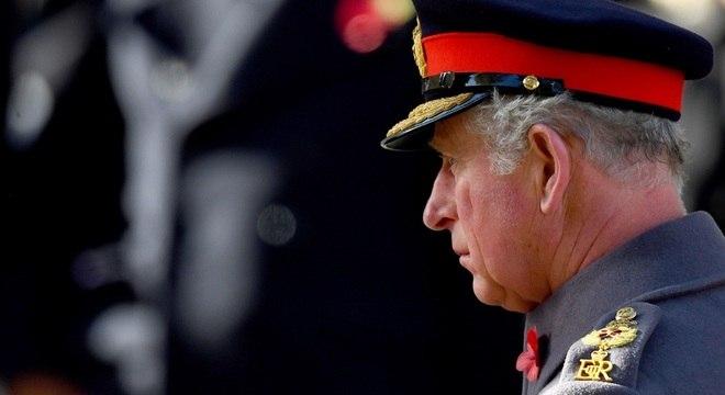 Charles se tornou herdeiro do trono britânico aos 3 anos de idade