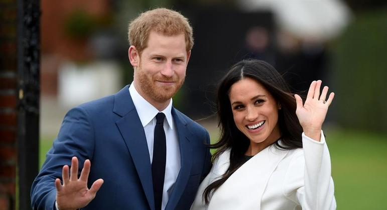 Príncipe Harry e Meghan Markle deixam oficialmente a família real