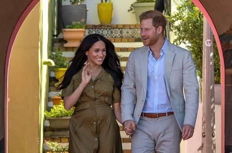 Príncipe Harry e Meghan renunciaram às funções reais