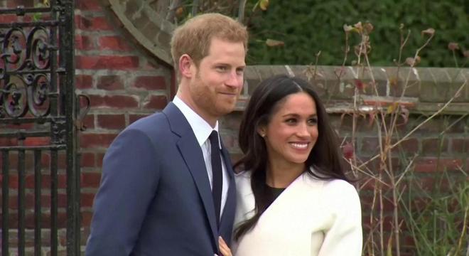 Harry e Meghan anunciaram repentinamente seu afastamento da família real