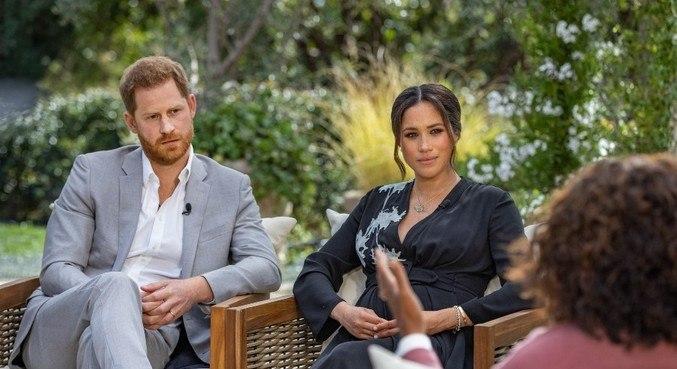 Família Real é pressionada para responder acusações de Harry e Meghan