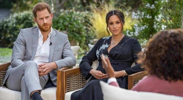 Acusações de Harry e Meghan Markle aumentaram a lista de escândalos da família real britânica
