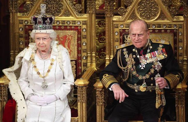 No último mês, Philip ficou internado por um mês em Londres após passar mal. Nesse tempo, o duque passou por uma cirurgia cardíaca e tratamentos para infecção