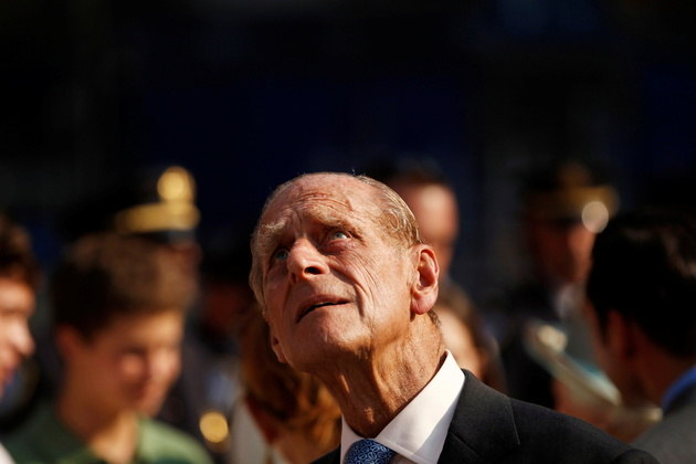 O príncipe Philip de Edimburgo, que faleceu nesta sexta-feira (9) aos 99 anos, passou mais de seis décadas à sombra de sua esposa, a rainha Elizabeth II com grande lealdade e uma lendária propensão a cometer gafes
