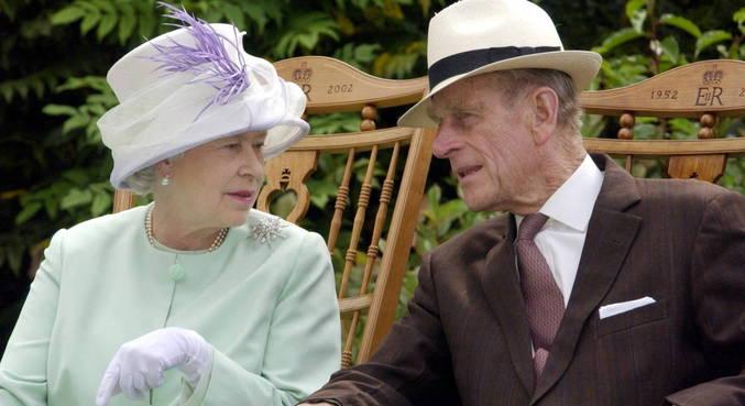 Elizabeth II e príncipe Philip foram casados por 73 anos