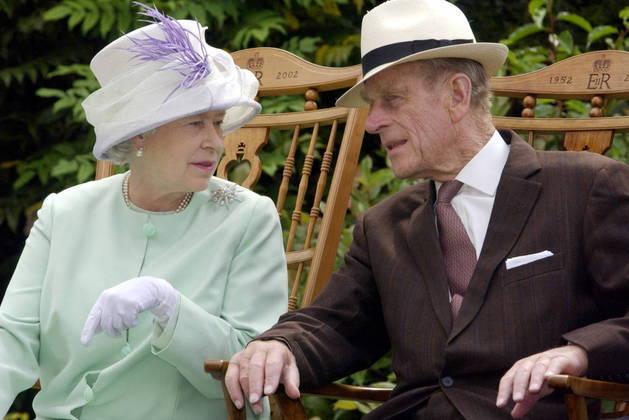 Se sua esposa ostentou o recorde de longevidade no trono, ele foi o príncipe consorte que mais ostentou este posto, desde 2009, quando superou Charlotte, esposa de George III