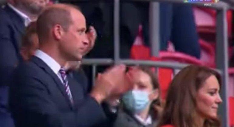 O Príncipe William e Kate Middleton, em Wembley