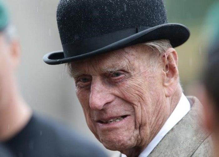 Marido de rainha Elizabeth é internado para cirurgia no quadril