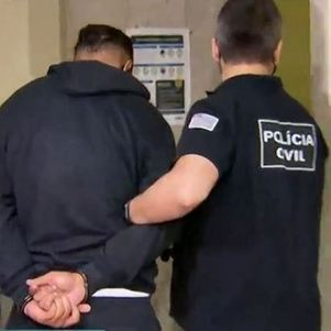 Presos vão para sede da polícia