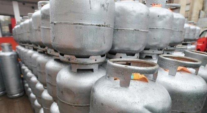 Consumidores relatam dificuldade de comprar gás de botijão