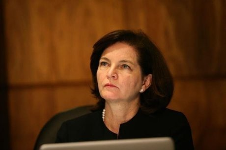 Raquel Dodge pede explicações a Bolsonaro