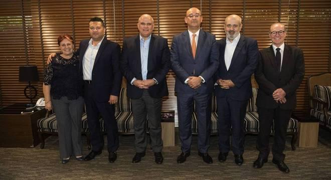 Da esquerda para a direita: Edna Macedo, Marcus Vinícius Vieira, Gianpaolo Poggio Smanio, Luiz Cláudio Costa e José Carlos Cosenzo