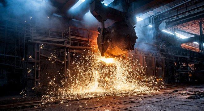 Indústria de aço brasileira sofreu perdas significativas desde a relação comercial entre China e EUA se deteriorou