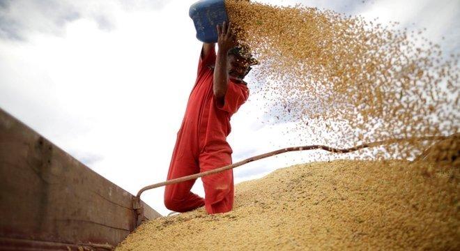 Produção de soja no Brasil; ciclo de commodities ajudou América Latina