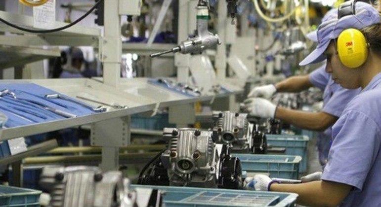 A produção industrial  estava operando em junho acima do patamar pré-pandemia