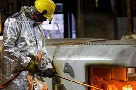 Produção industrial teve alta de 3,2% em agosto