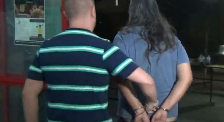 Produtor musical foi preso em SP suspeito de estuprar inquilina deficiente visual