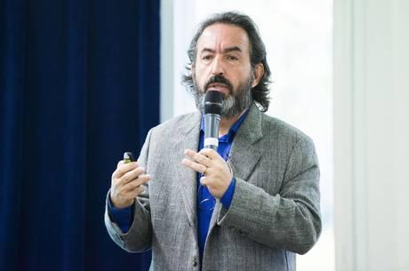 Professor Gilson Schwartz, o organizador do evento