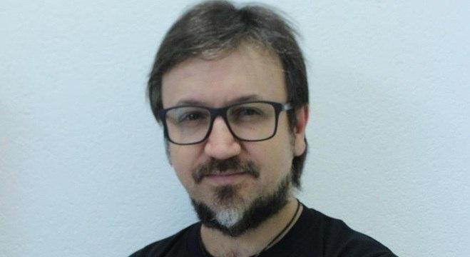 João Ribas compara textos literários realistas com letra de famoso hit sertanejo