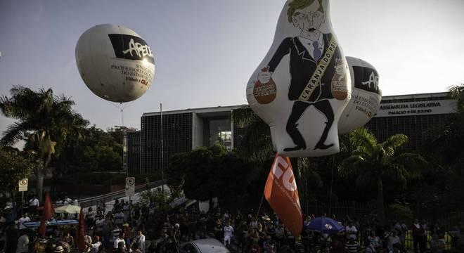 Policiais e professores protestam contra Reforma da Previdência na ALESP