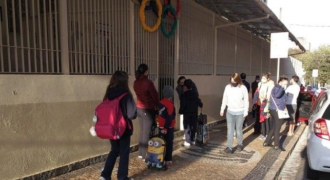 Justiça determina retorno dos professores ao trabalho presencial em SP