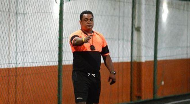 Profissionais e amadores da arbitragem do Recife detalham drama vivido por conta da paralisação do futebol