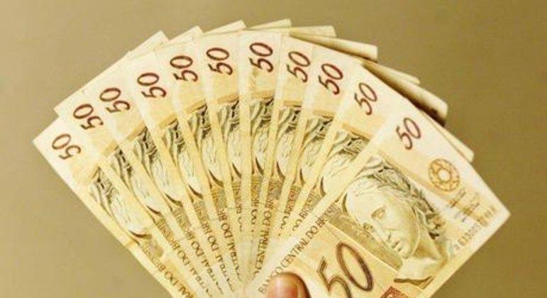 Abono salarial do PIS variou de R$ 88 a R$ 1.045 em 2020